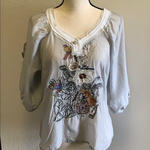 Anthro FumbLin 'foe light grey embroidered blouse